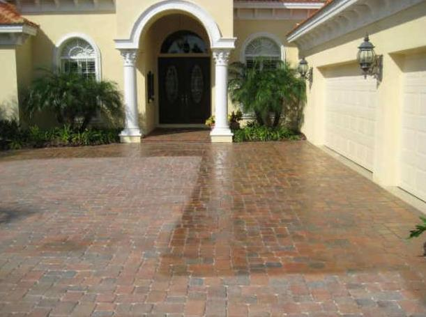 Driveway Pavers Cleaning and sealing